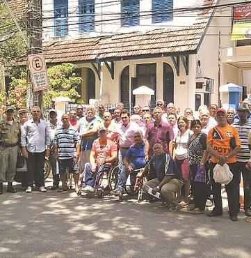 Aposentados e pensionistas fizeram protesto ontem (LUCILA VIEIRA/ESP. DP/D.A PRESS)