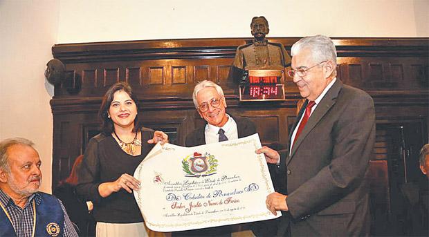 Zelito recebeu honraria na Assembleia Legislativa (Cecilia Sa Pereira/Divulgacao)