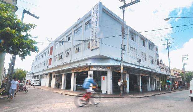 Mesmo sendo um bairro essencialmente comercial,  Boa Vista tem seus encantos (Alcione Ferreira/DP)