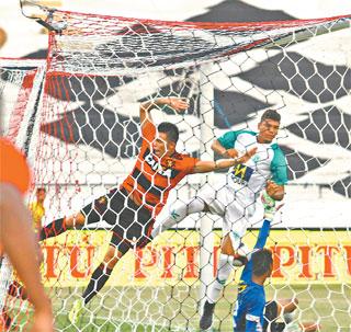 Lance do gol do atacante Paulo Henrique, que definiu a vitória rubro-negra (RAFAEL MARTINS/ DP)