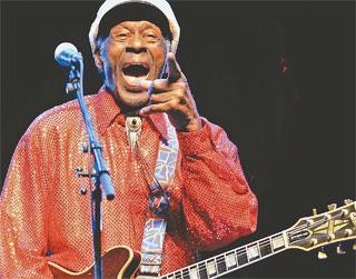 Novo álbum já tinha nome (Chuck) e seria o primeiro álbum solo desde Rock it, de 1979 (AFP PHOTO / PABLO PORCIUNCULA)