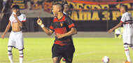 Implac�vel, Sport engole o Santa Cruz (EDVALDO RODRIGUES/DP/D.A PRESS)